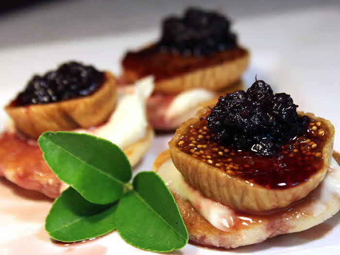 Spiced Fig Blinis